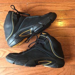 more photos 144e2 12342 Nike Shoes - Nike Air Jordan Melo M4 Metallic Sneaker RARE Sz12